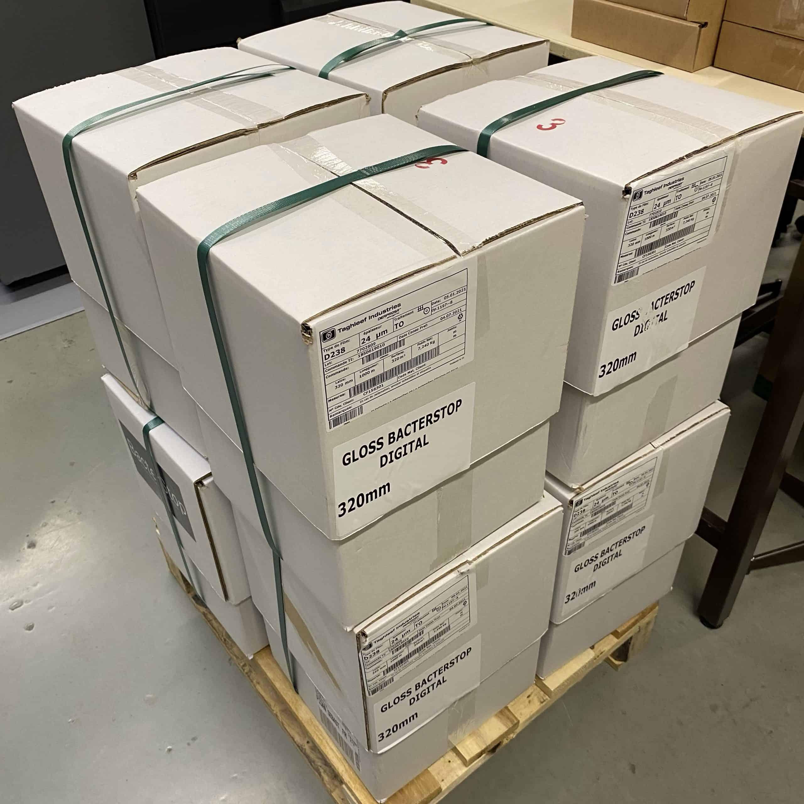 Carton de bobines de pelliculage antibactérien mat et brillant